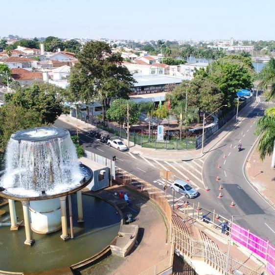 Obra do Semae interdita faixa de ônibus na avenida Bady em Rio Preto