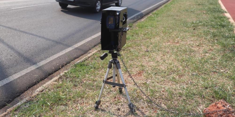 Radar estático posicionado na avenida JK, em Rio Preto (Guilherme Baffi 19/9/2019)