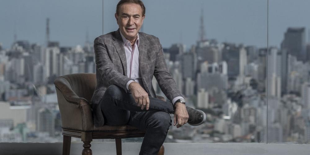 Rio-pretense Amaury Jr. é pioneiro do colunismo social televisivo no Brasil (Divulgação)