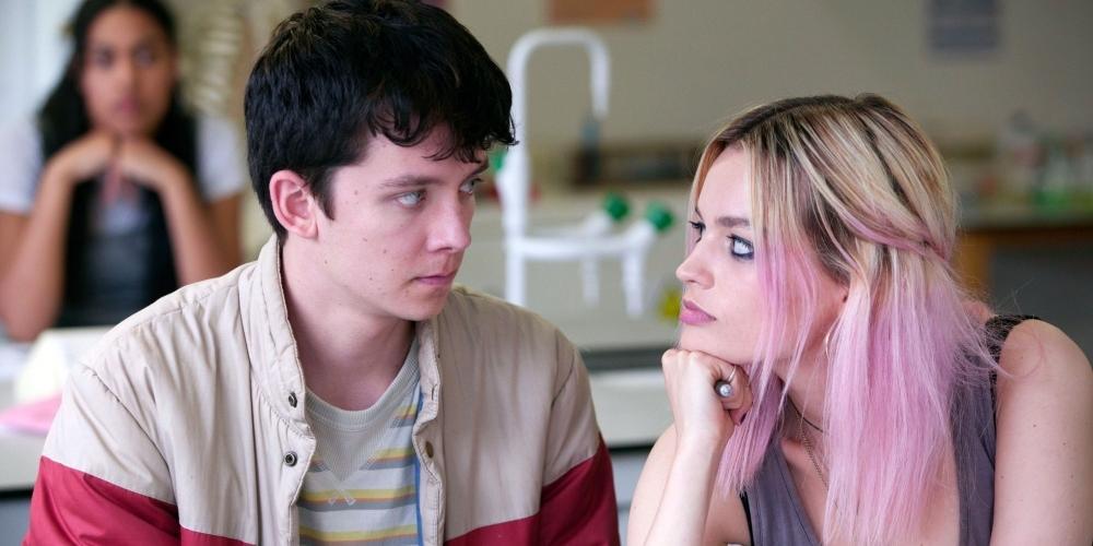 O ator Asa Butterfield (à esq.) em cena da série 'Sex Education', da Netflix (Netflix/Divulgação)