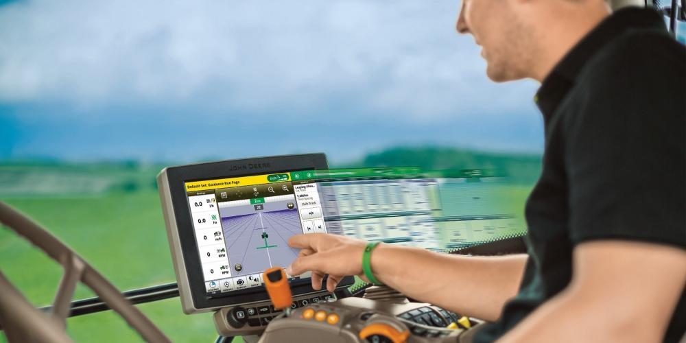 Computador de bordo e GPS instalados no trator permitem que plantio seja realizado de acordo com o projeto traçado, o que garante maior produtividade (Fotos: Divulgação)