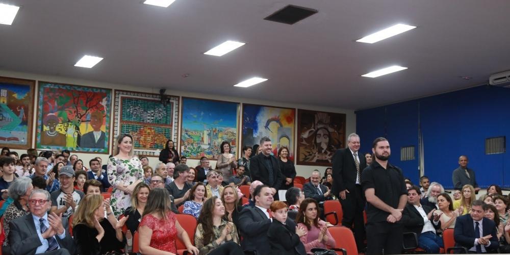 Homenagem aos profissionais foi realizada na noite de sexta-feira, em Rio Preto, com posse de 20 cadeiras (Johnny Torres 29/6/2018)