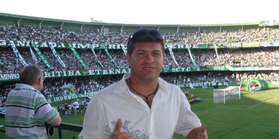 Ex-atacante do América, ídolo do Coritiba, de 48 anos, estava internado desde o dia 29 de novembro no Hospital dos Trabalhadores, em Curitiba, e faleceu na manhã deste sábado (Arquivo Pessoal)