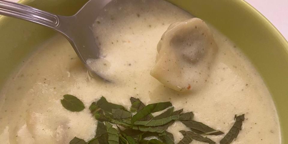 Chich barak: capeletti com coalhada é servido no Zahtar Cozinha Árabe (Divulgação)