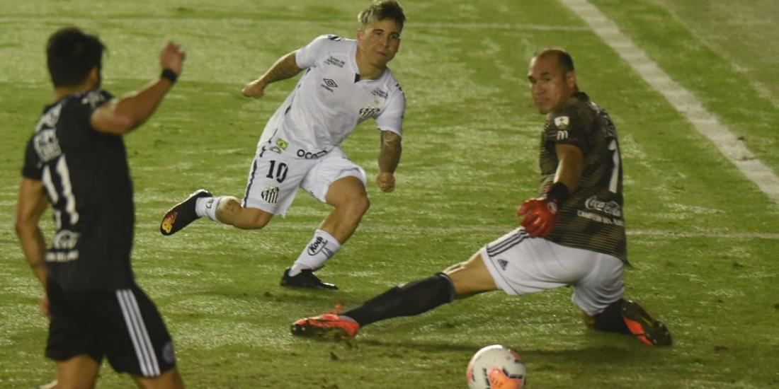 Na melhor chance santista, Soteldo acertou a trave dos rivais (Ivan Storti/Santos FC)