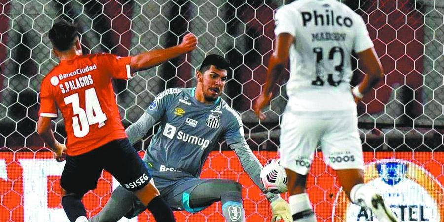 João Paulo foi o grande destaque do peixe na partida; Foram sete defesas em oito chutas no gol