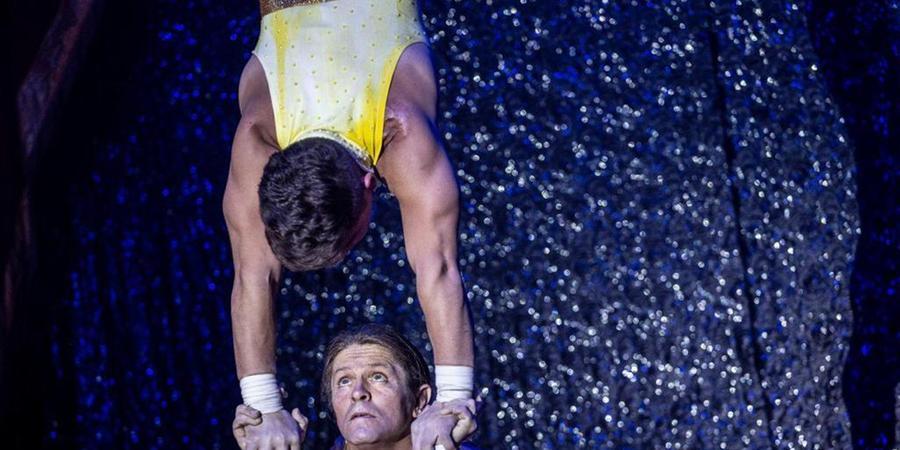 Número de equilibrismo que faz parte do espetáculo do Circo SuperStar (Divulgação)