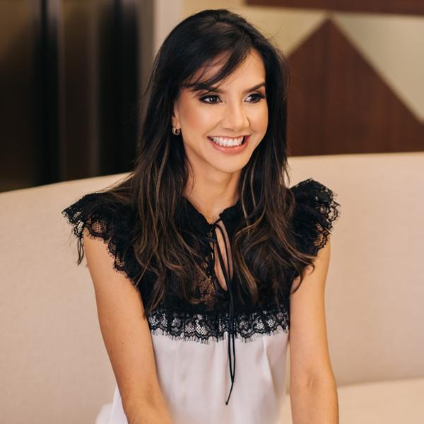 Angélica Pimenta está na Coluna Social de hoje