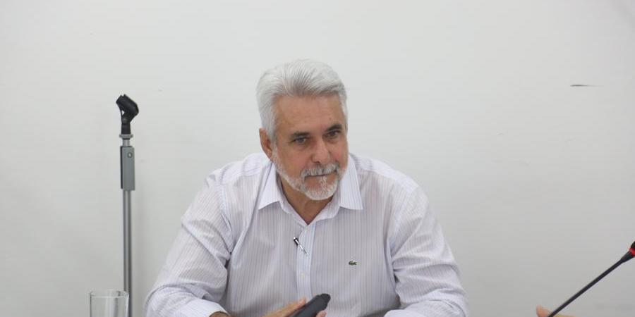 Secretário de Trânsito, Amaury Hernandes, já consultou empresas sobre possível prorrogação de contrato de concessão (Guilherme Baffi)