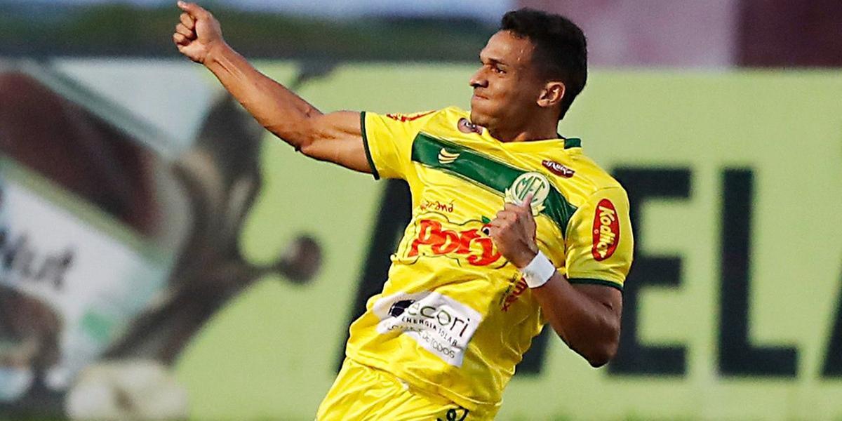 Jogador do Mirassol comemora a vitória do Leão (Albari Rosa/Foto Digital/@umdoisesportes/Divulgação)