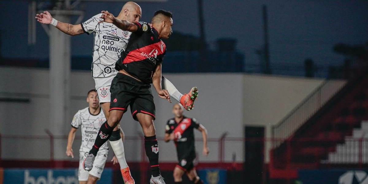 Lance da partida entre Corinthians e Atlético-GO neste domingo, 12 (Bruno Corsino/ACG)