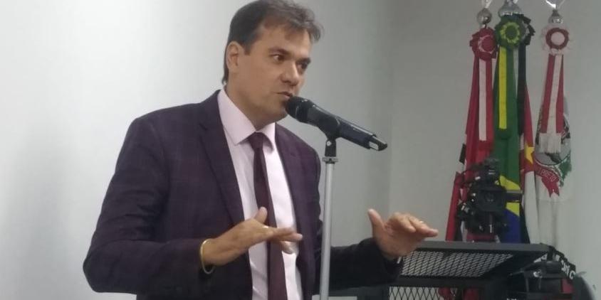 Secretário de Esportes, Fábio Marcondes, é vereador licenciado pelo PL e pediu para ter acesso a envelope de carta enviada para a Polícia Civil; ele nega participação em possível esquema na Câmara de Rio Preto (Rodrigo Lima – 19/12/2018)
