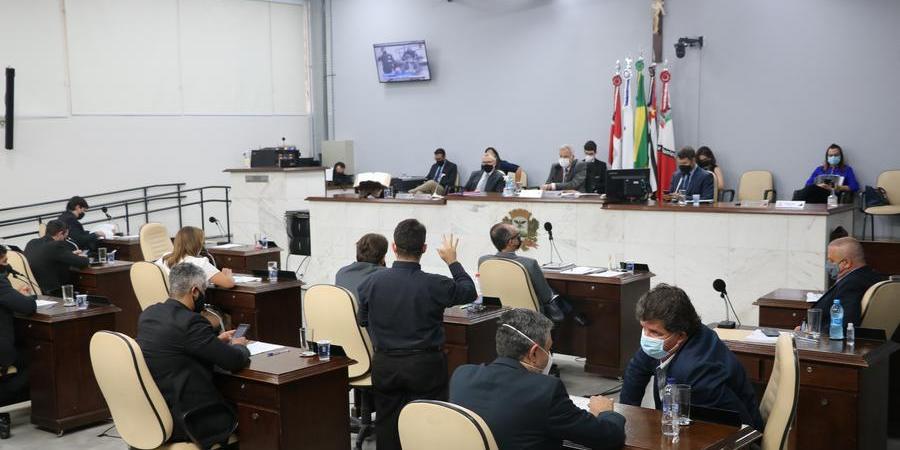 Vereadores e vereadoras durante sessão na Câmara; votação sobre horário será em urgência (Divulgação/Câmara Rio Preto)