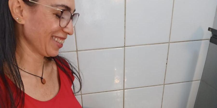 Para economizar, Geovana Araujo Brigato utiliza o vapor para cozinhar legumes enquanto cozinha outros pratos (Arquivo pessoal)