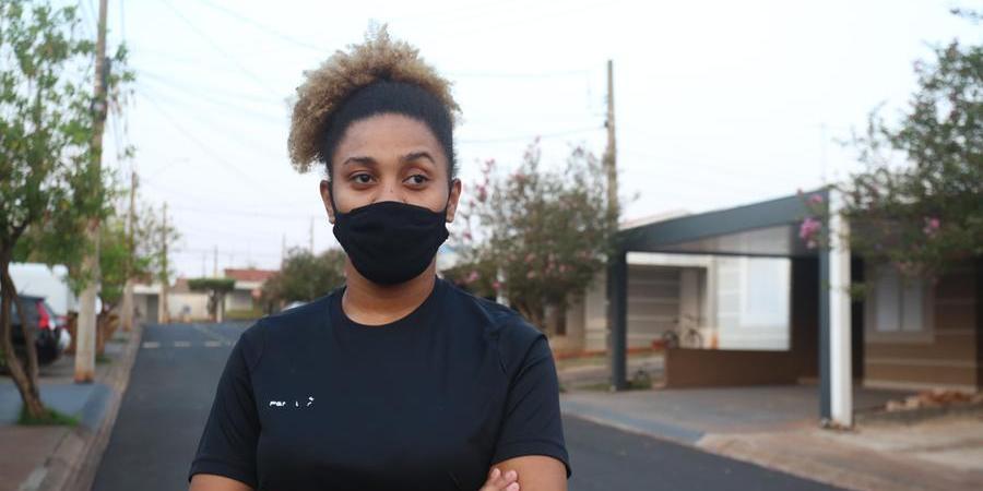 Ana Gabriely Norberto da Silva, de 18 anos, ainda não tomou nenhuma dose e está preocupada com a falta de preocupação (Guilherme Baffi 16/9/2021)
