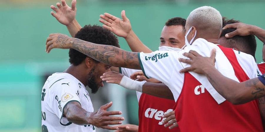 Luiz Adriano comemora gol contra a Chapecoense; ele estava há mais de cem dias sem balançar a rede (César Greco/ Agência Palmeiras)