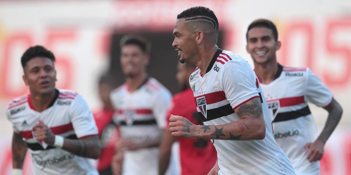 Lance da partida entre São Paulo e Atlético-GO (Rubens Chiri/saopaulofc.net)