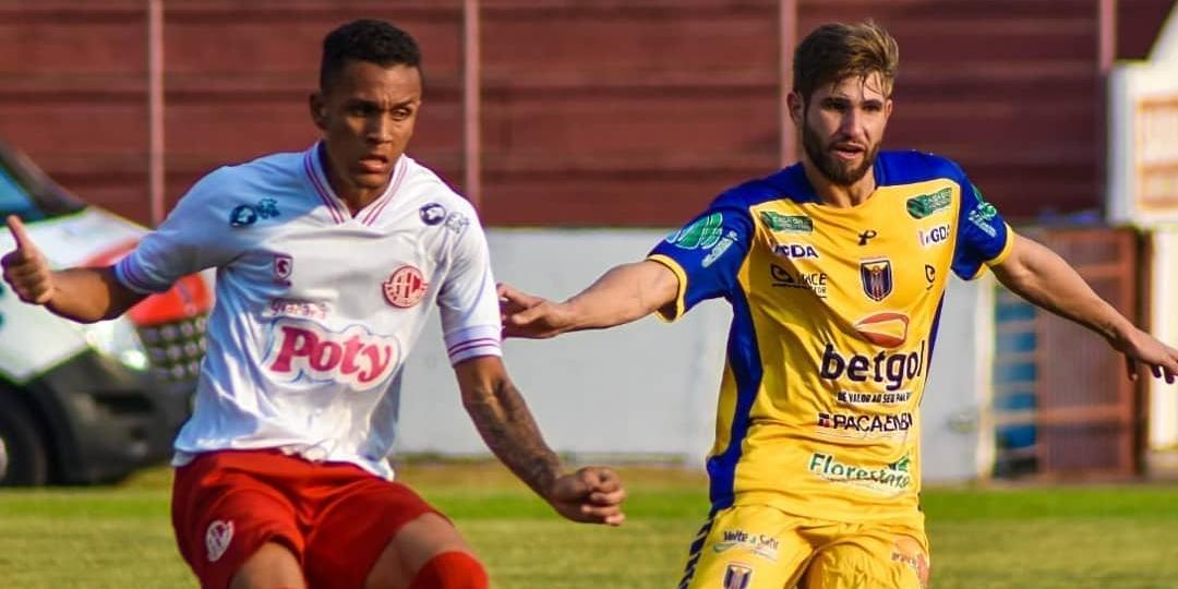 Lance da partida entre América e Catanduva, no Teixeirão (Fran Zanini/Catanduva FC)
