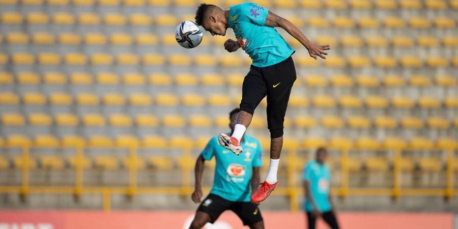 Raphinha salta em treino: jogador mostrou bom serviço nas oportunidades em que entrou e será titular no duelo com os uruguaios (Divulgação/Lucas Figueiredo/CBF)