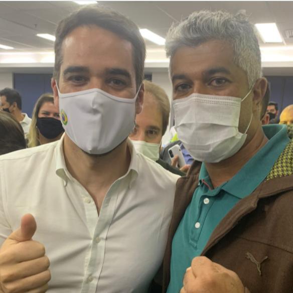 Vereador de Rio Preto surge com 'rival' de Doria em encontro tucano