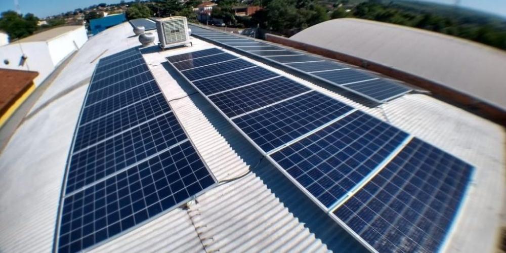 Placas fotovoltaicas transformam em energia os raios solares (Divulgação/Sun Volt)